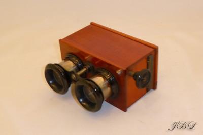 jules-richard_stereoscope-45x107-c_1