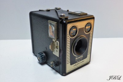 kodak_brownie-six-20-model-d_1